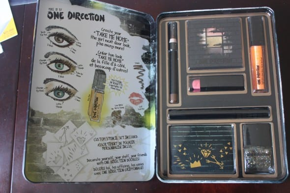 one direction take me home beauty collection review makeupby1d thelookscollection markwins. Black Bedroom Furniture Sets. Home Design Ideas