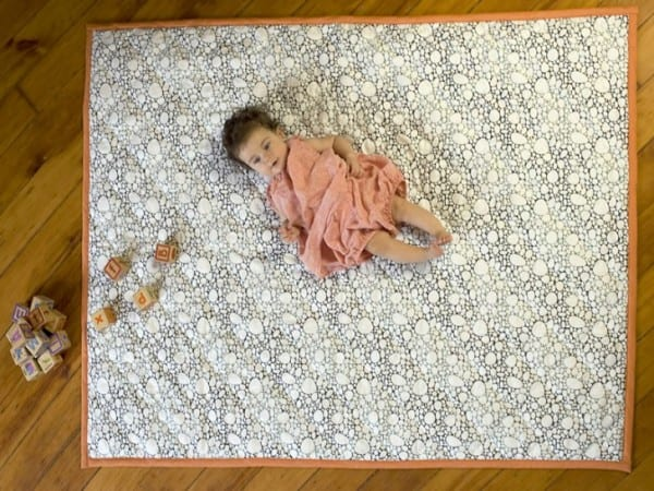 Top 8 organic play mats for 2016 natural mama for Floor quilt for babies