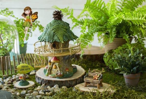 Hallmark GardenFair collection decors