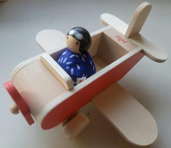 MiO airplane