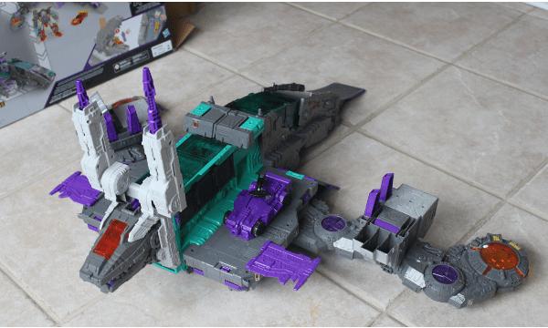 Transformers Generations Titans Return Trypticon