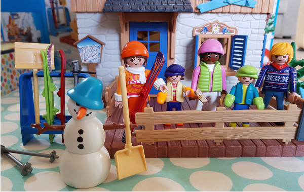 playmobil ski lodge minifigure - Playmobil Ski